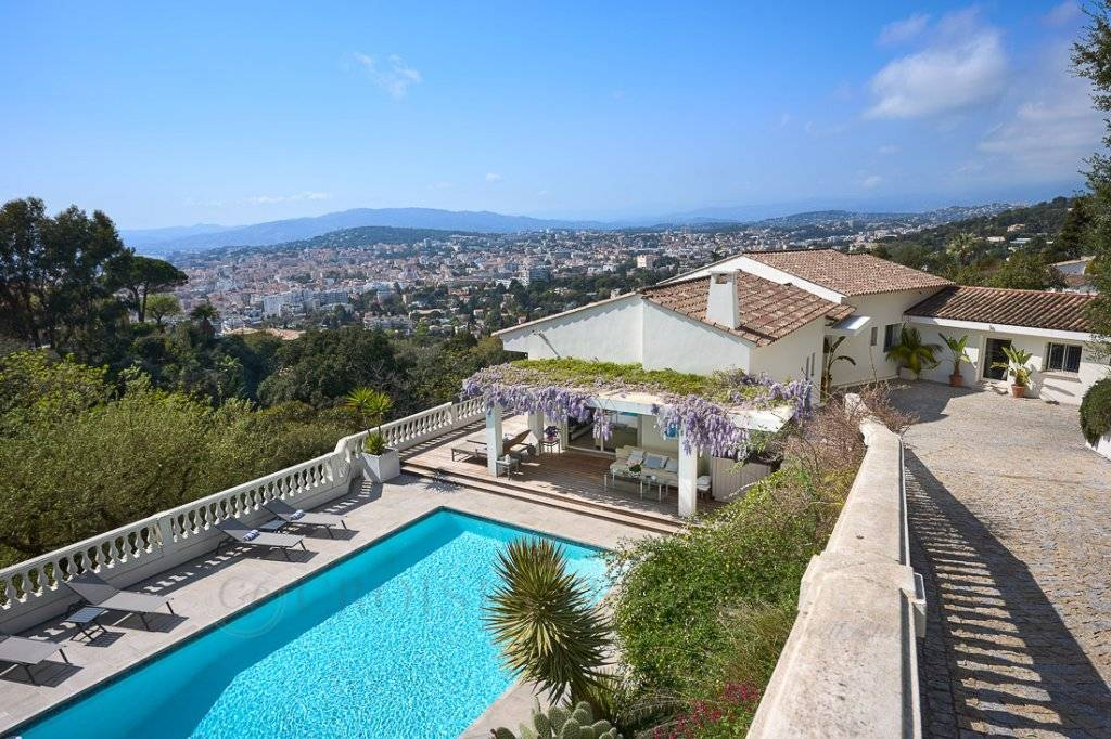 CANNES CALIFORNIE - EXCEPTIONAL VILLA WITH SEA VIEW