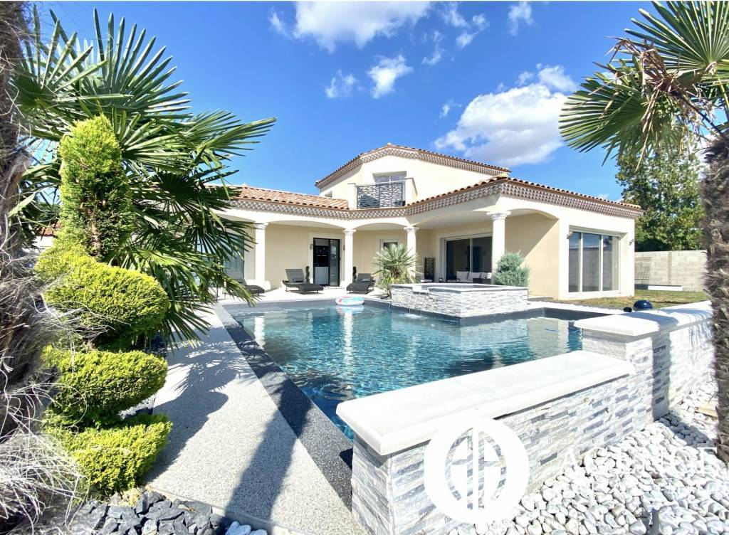 maison de 164m2 avec piscine