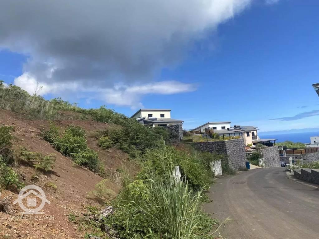 Possession (Ravine à Malheur) : Parcelle viabilisée de 461 m² à 165 404 ,00 euros FAI