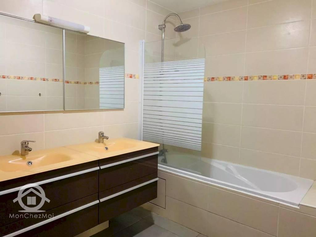 Possession : Villa de 149 m² à 399 907,50 euros