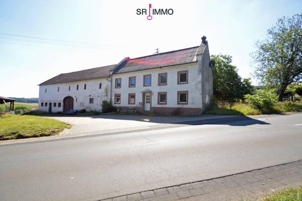 Bauernhaus mit Nebengebäude in Grenznähe, Vianden 3 km