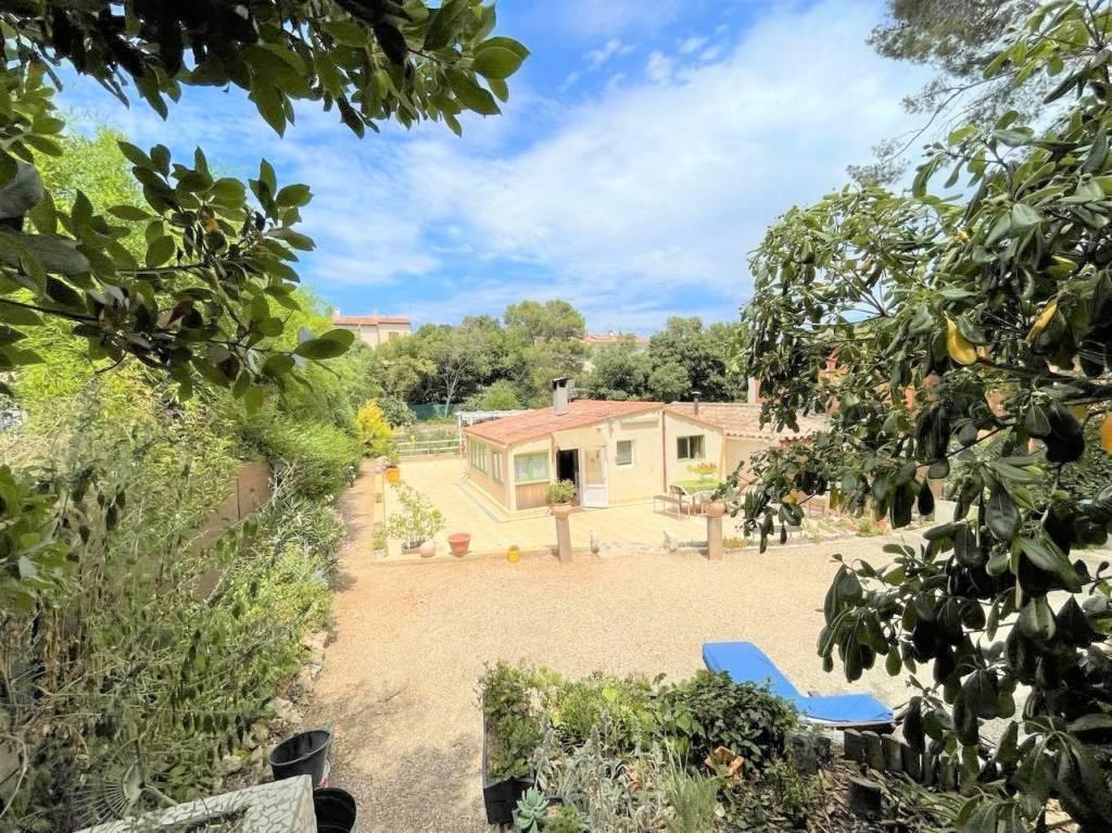 Janas,  jolie maisonnette à la campagne sur 1300m²
