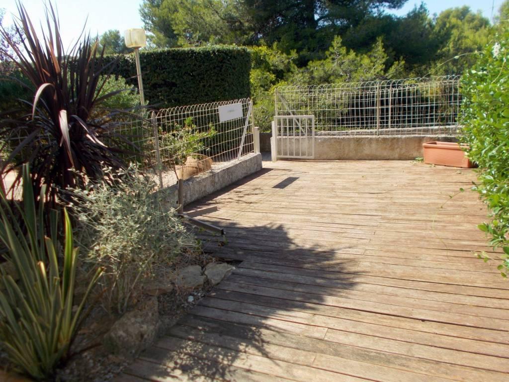 Saint mandrier, Studio en rez de jardin