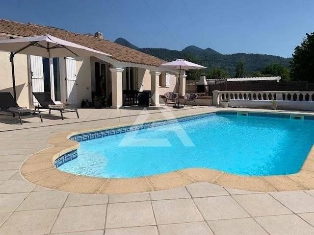 SOSPEL - Bella casa a un piano con piscina