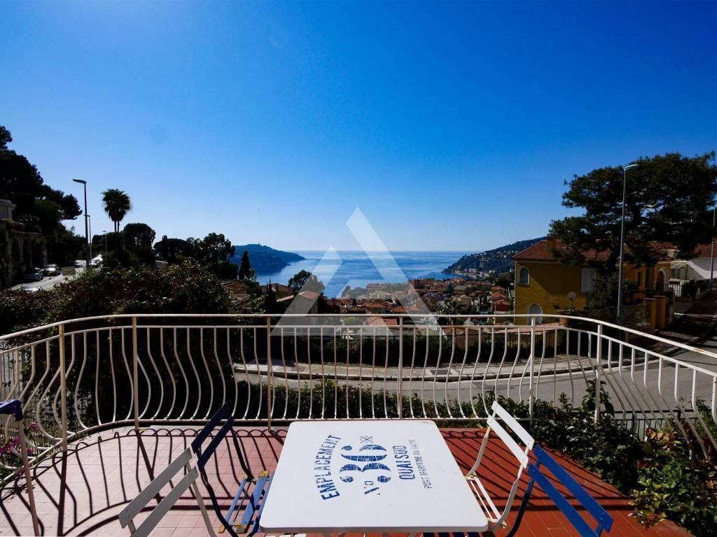 Villefranche-sur-Mer: 3-bedroom flat - Panoramic sea view