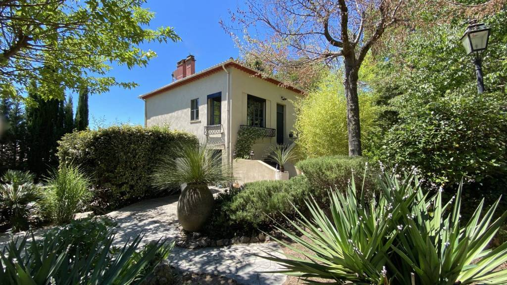House with pool Villecroze Var Provence