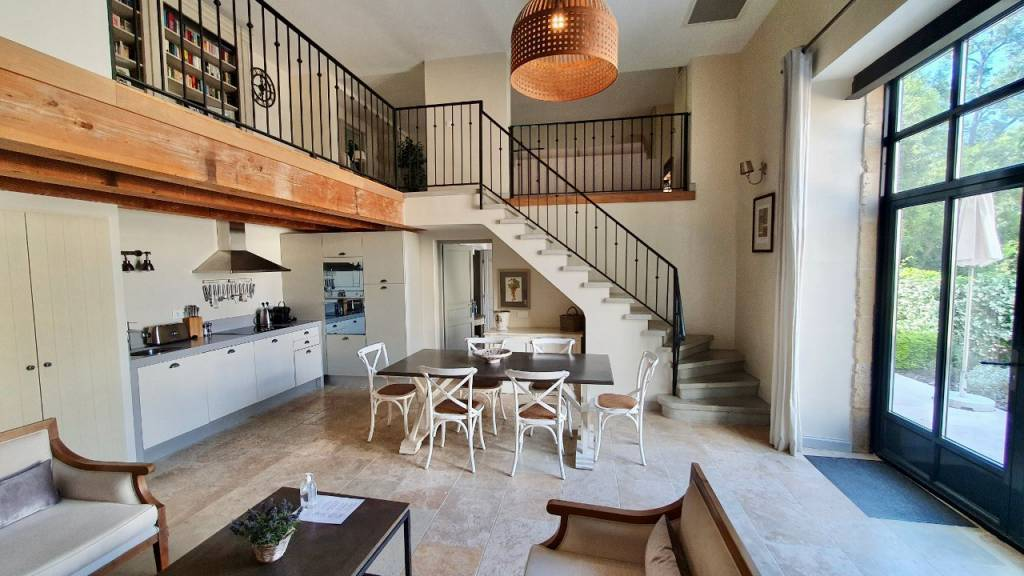 3 bed, 3 bath end of terrace house on luxury wine estate