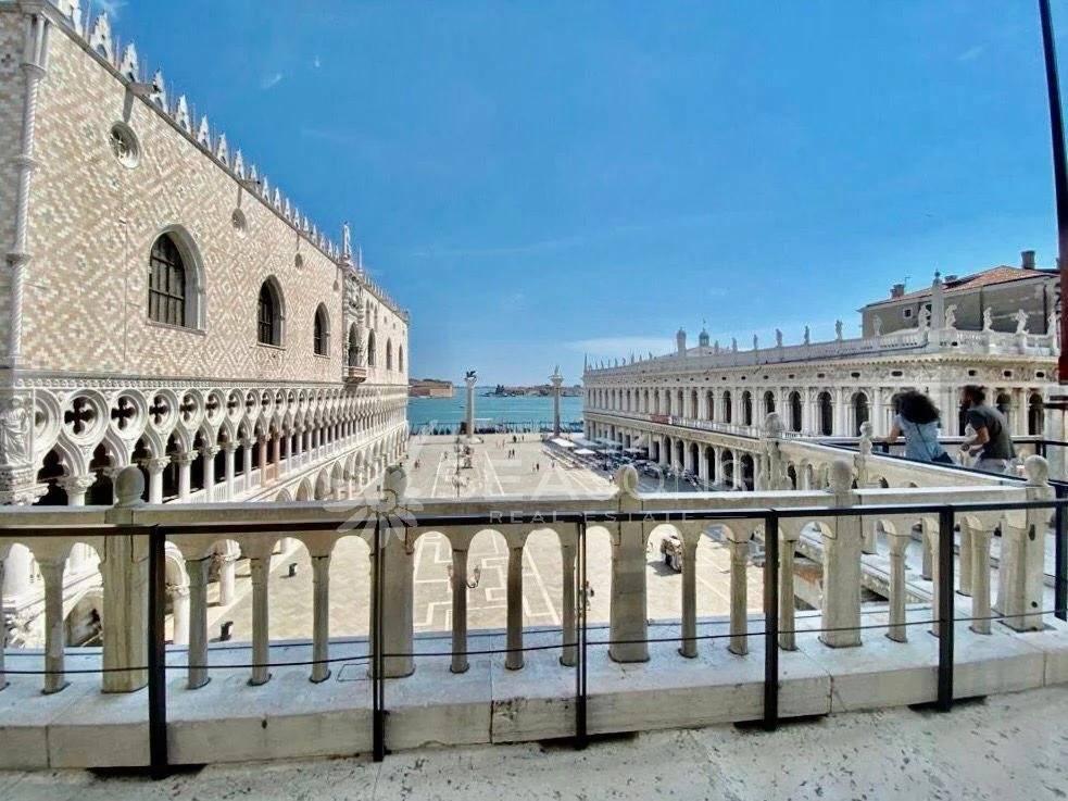 2 5 Venezia