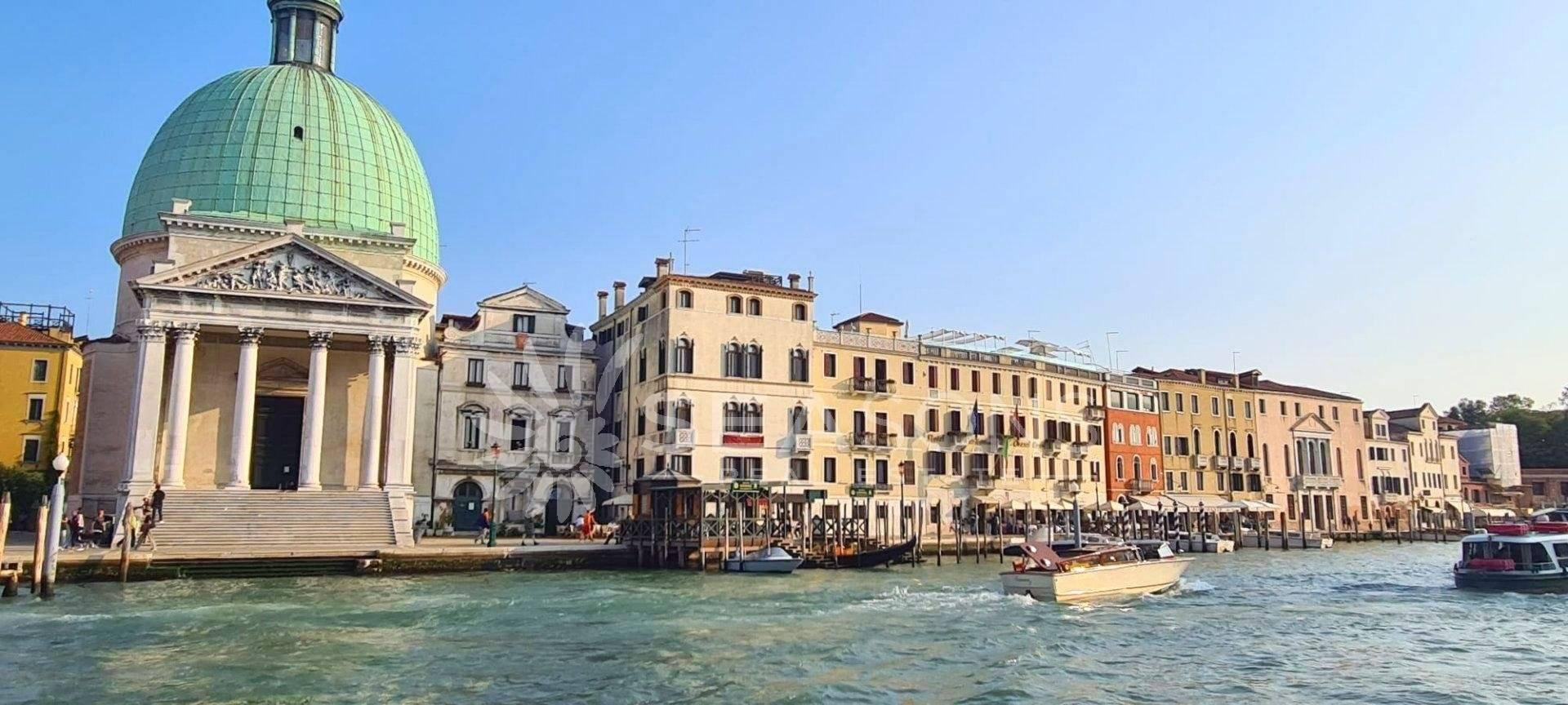 1 25 Venice