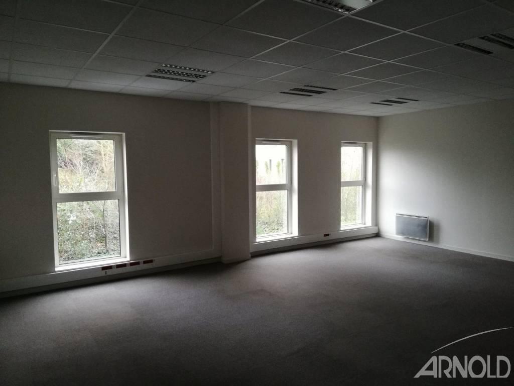 Plateau de bureaux en rdc en zone tertiaire!
