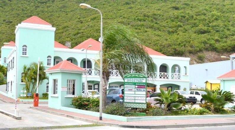 Commercial Unit On the main road in Philipsburg