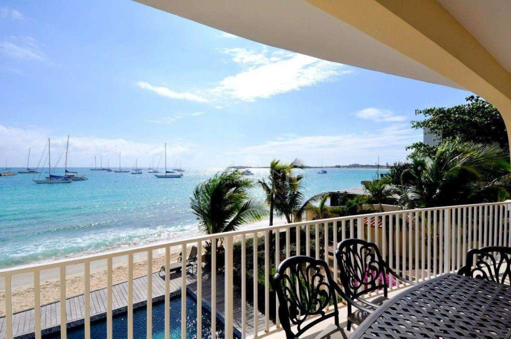 The Caribbean Suite All the comfort of a beachfront property