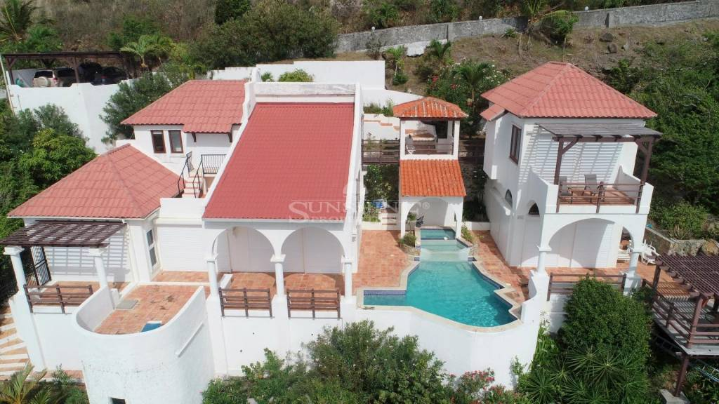 Spectacular ocean view villa ready to make it your home