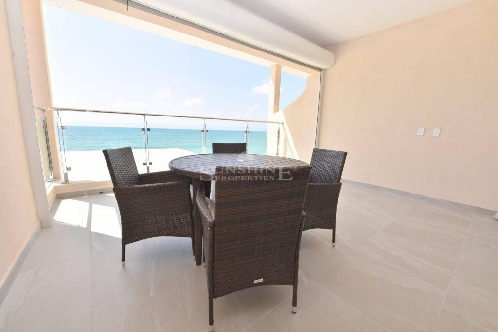 C'shapes in SimpeonBayBeach ready for long term rental