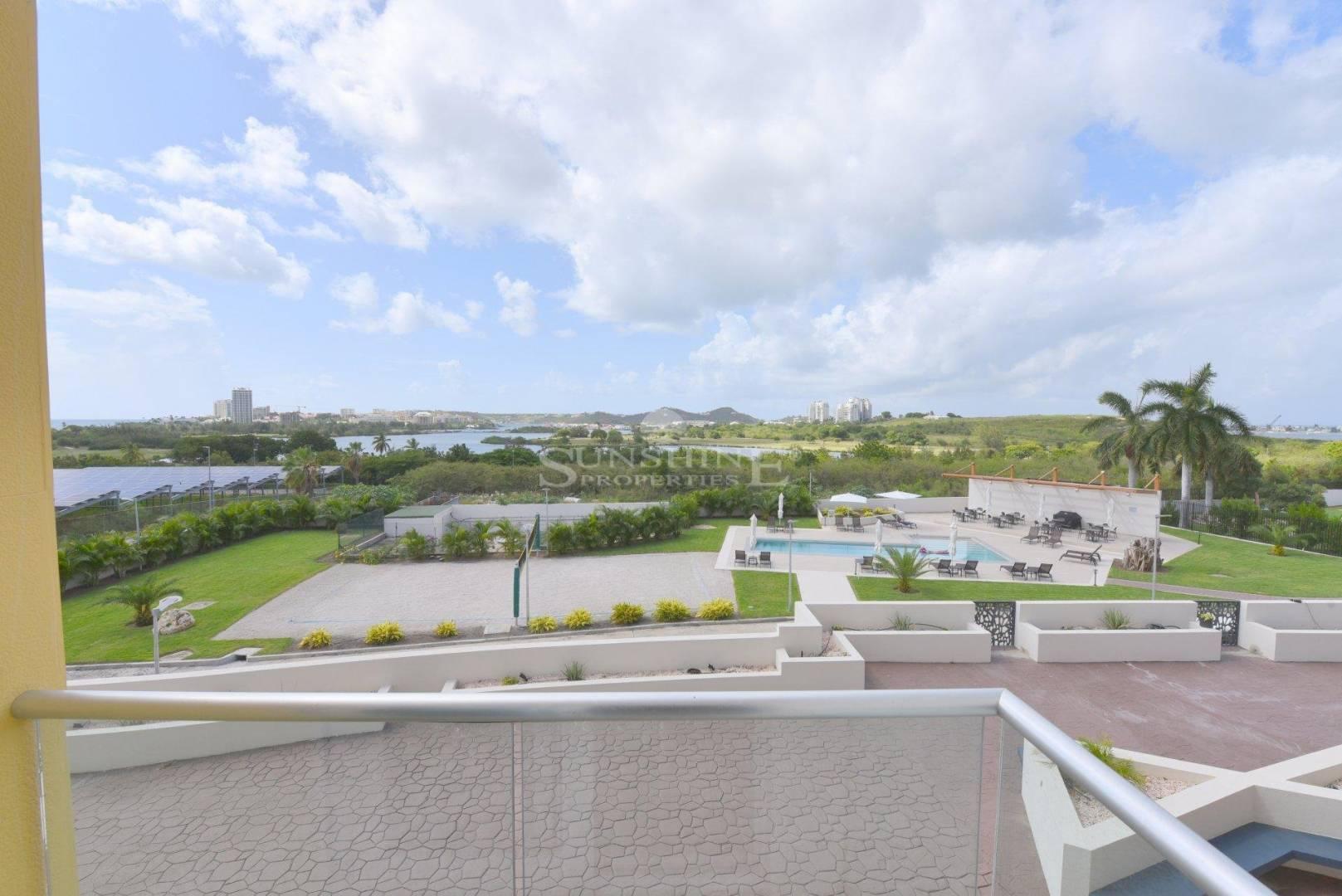 1 6 Sint Maarten