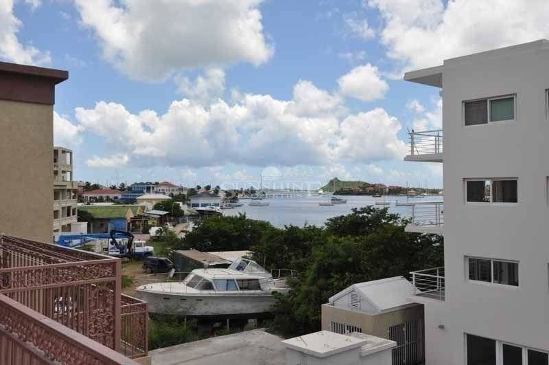 Lagoona view spacious 2 bedrooms 1 bathrooms modern living, superb atmosphere!