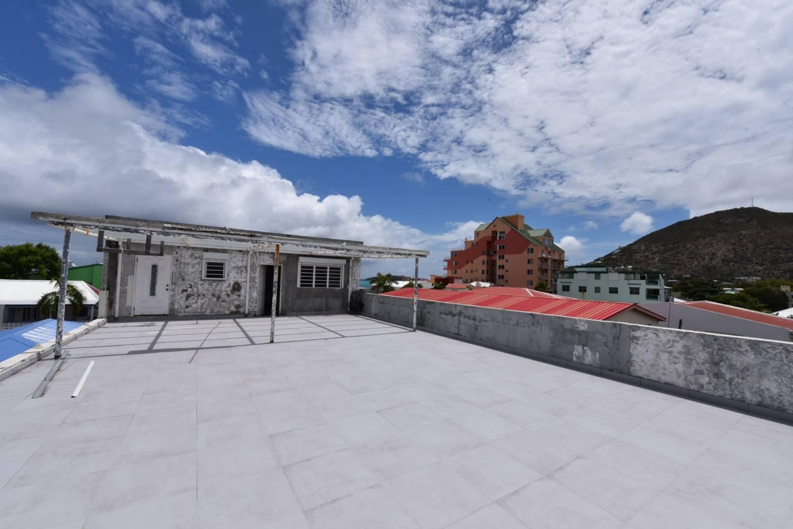 2 8 Sint Maarten
