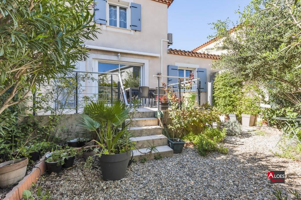 Maison Aigues-Mortes avec garage