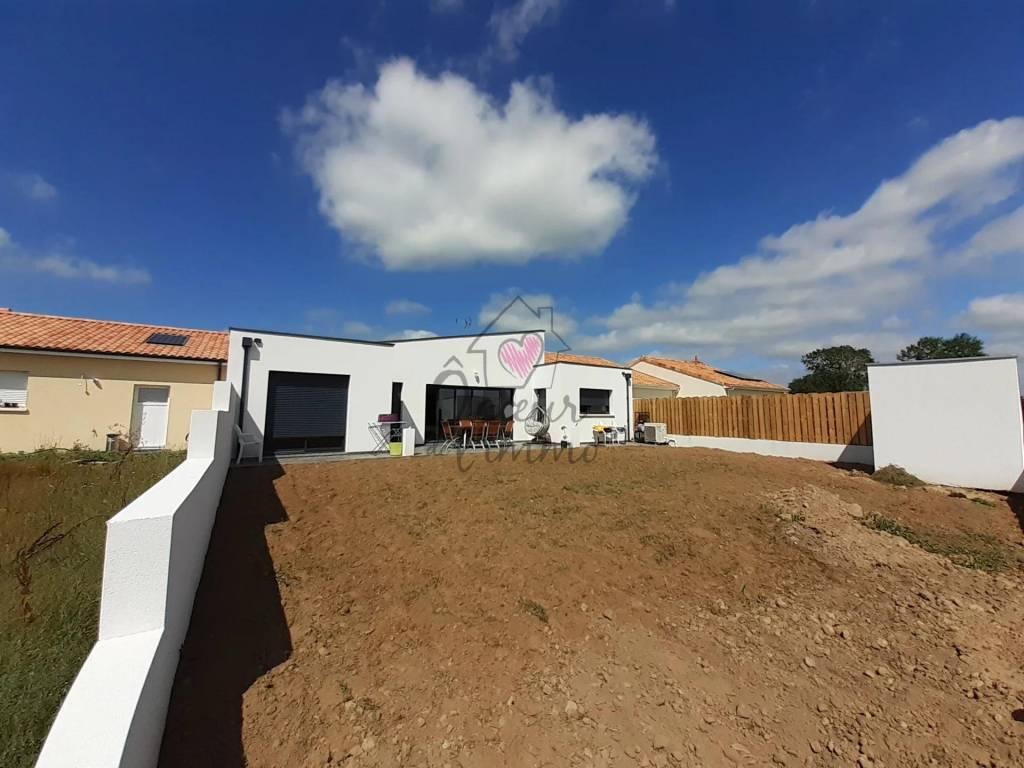 Maison de 2020 :130m2 habitables + Garage de 19m2   norme RT2012