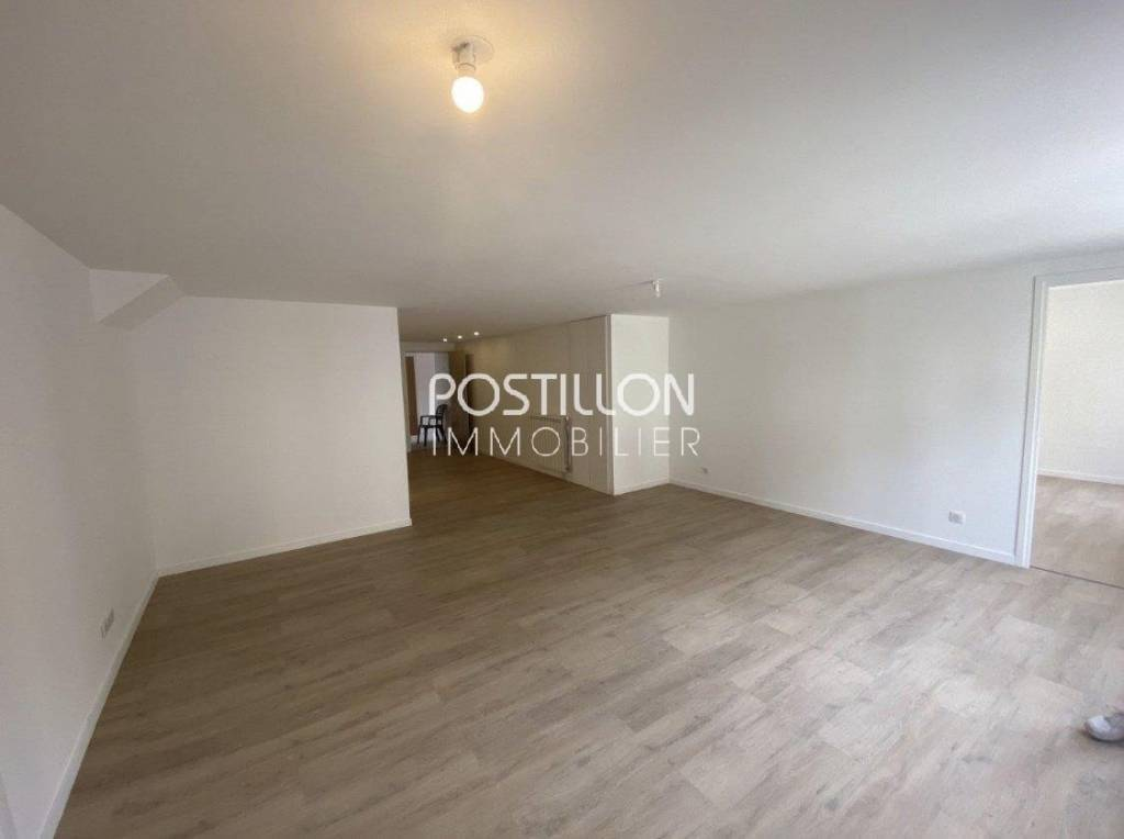 LOTS 5 APPARTEMENTS/NICE/VALROSE