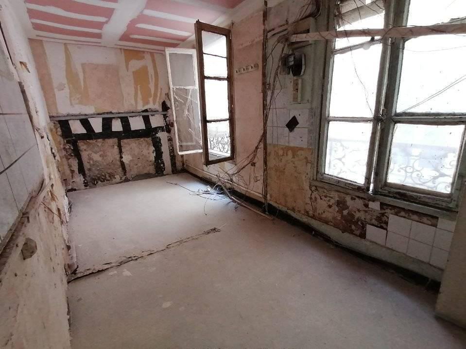 Chambre  à renover au cœur de Montorgueil 75002