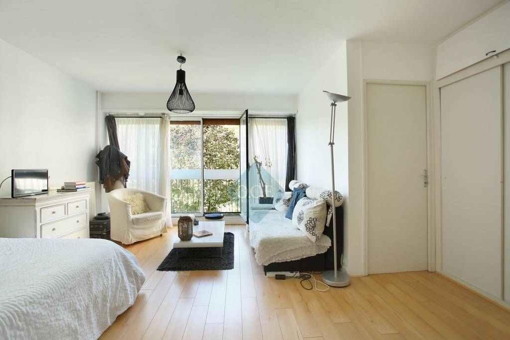 property_areas:1 property_flooring:1