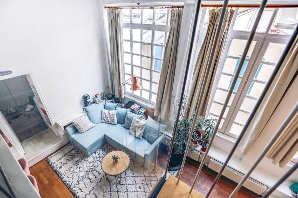 Loft sur deux niveaux au calme avec très belle hauteur sous plafond (4.65m)