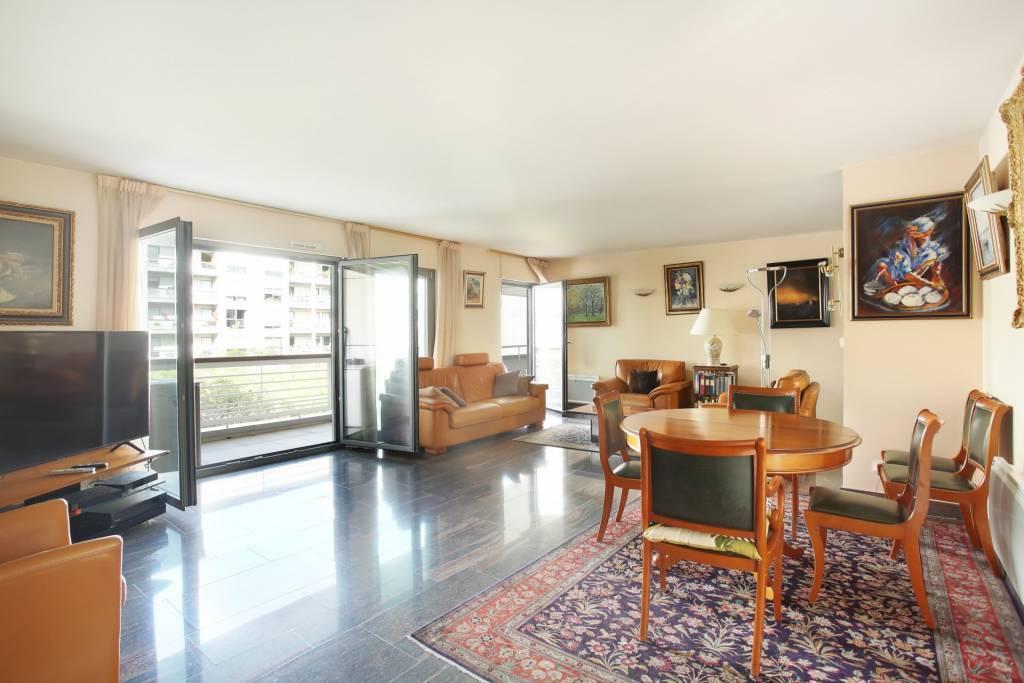 Pelleport/Gambetta- Appartement familial avec terrasse.