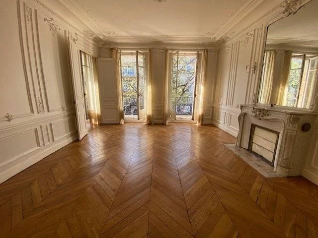 Appartement Familial avec Balcon - Immeuble ancien