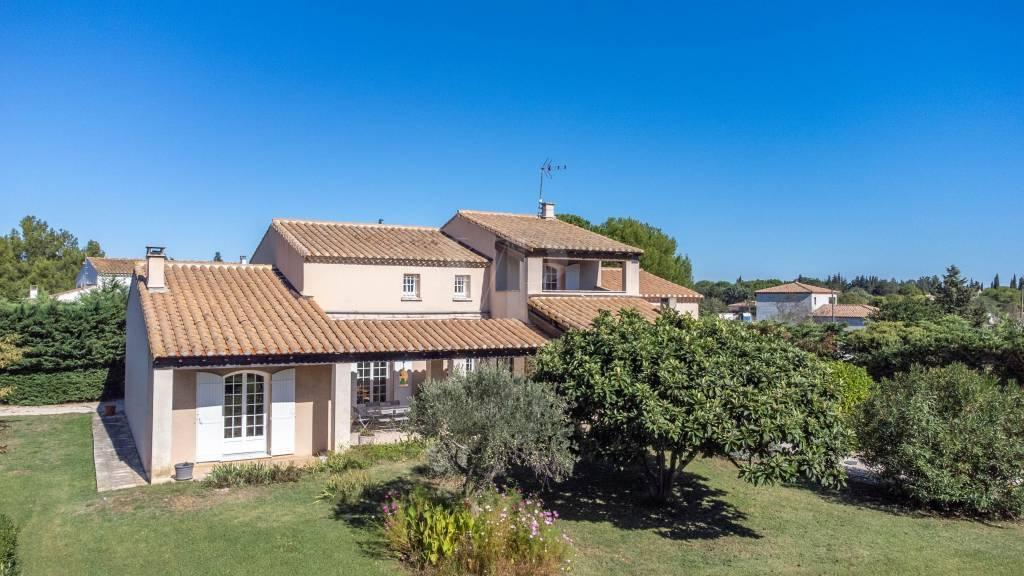 Maison en campagne d'Arles