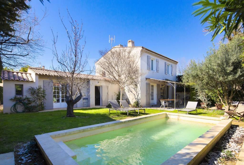 Maison proche centre village Maussane à vendre par Von Peerc immobilier