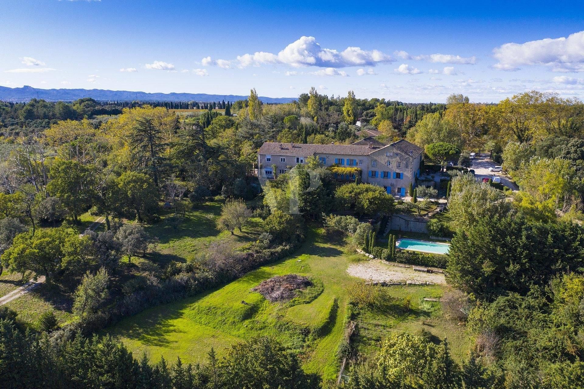 Magnifique demeure sur Noves vendue par Von Peerc immobilier