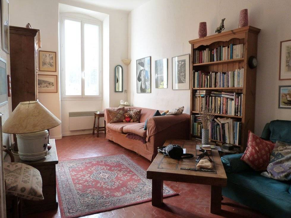 CLAVIERS : CHARMING APARTMENT ON THE 1ST FLOOR
