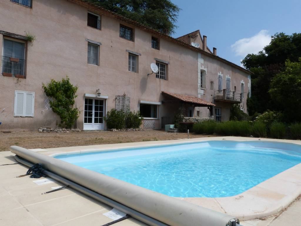 BARGEMON : appartement with private pool