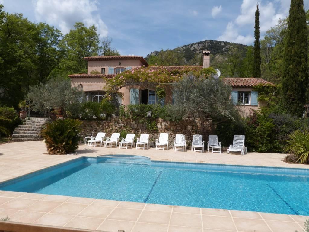 BARGEMON : Jolie Villa avec piscine