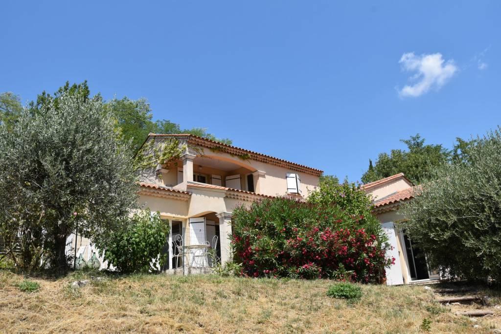 BARGEMON : Jolie villa avec très jolie vue et piscine