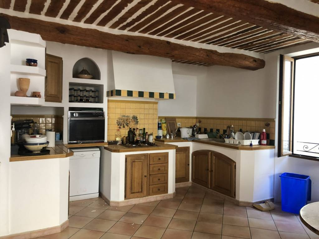 CLAVIERS : Nice village house with potential