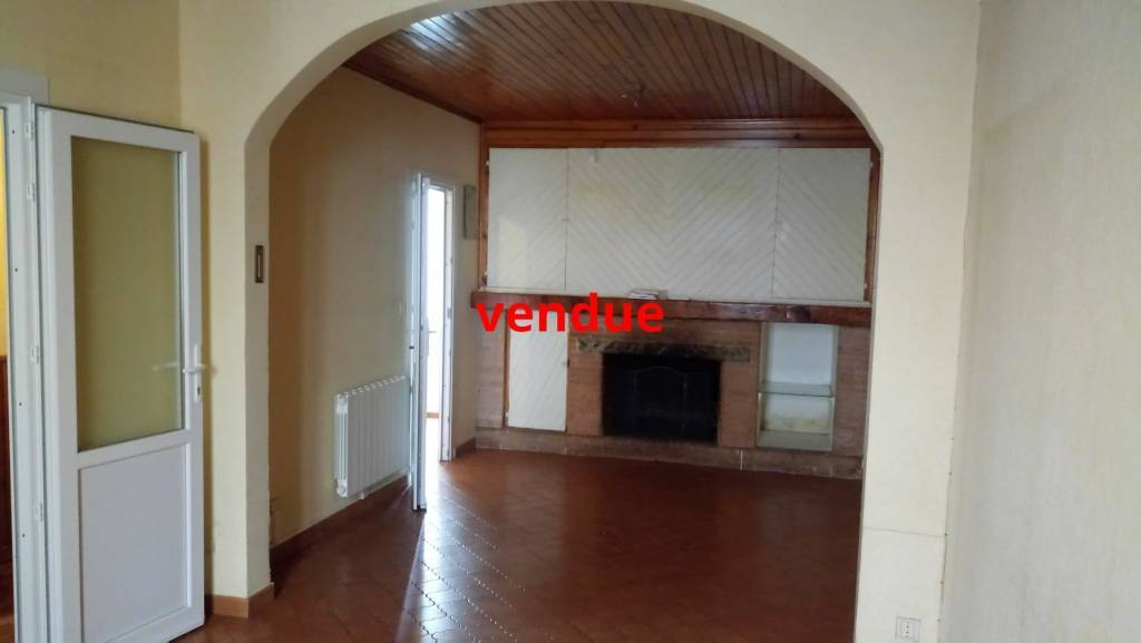 property_areas:11 property_flooring:1 property_service:2