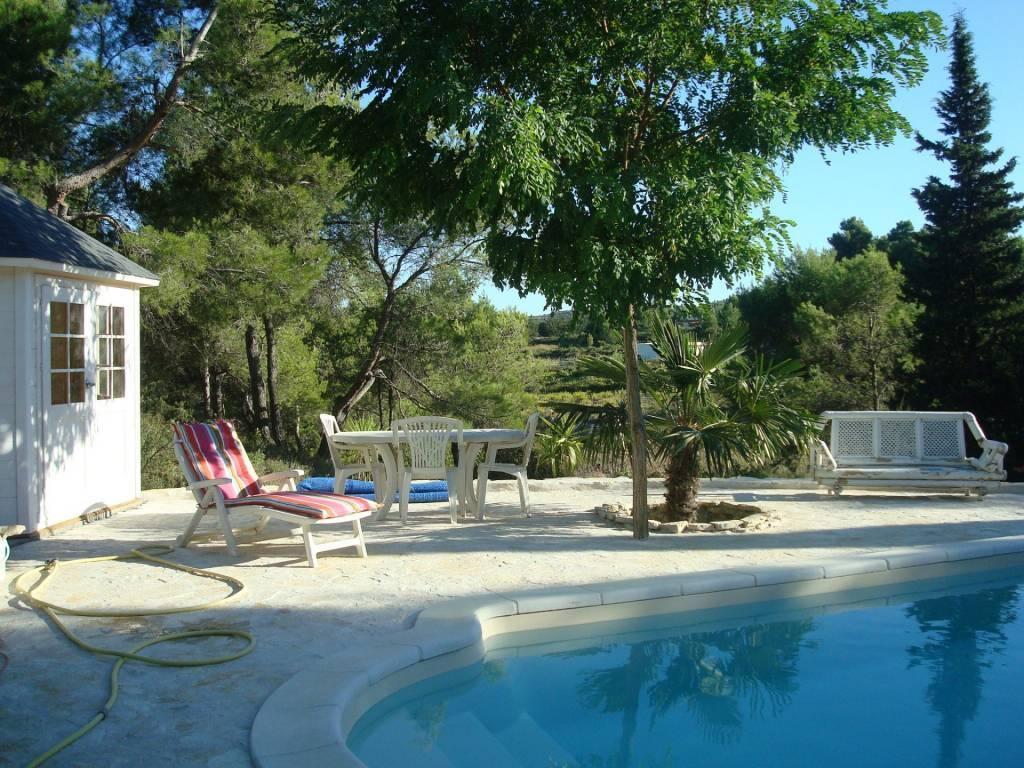grande villa - 4 chambres- terrain 2600 M²- piscine