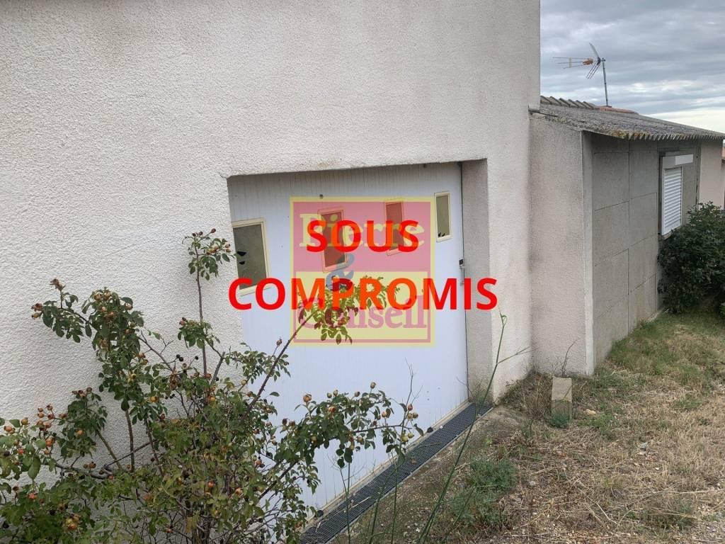 Sale Not constructible land Narbonne HOPITAL