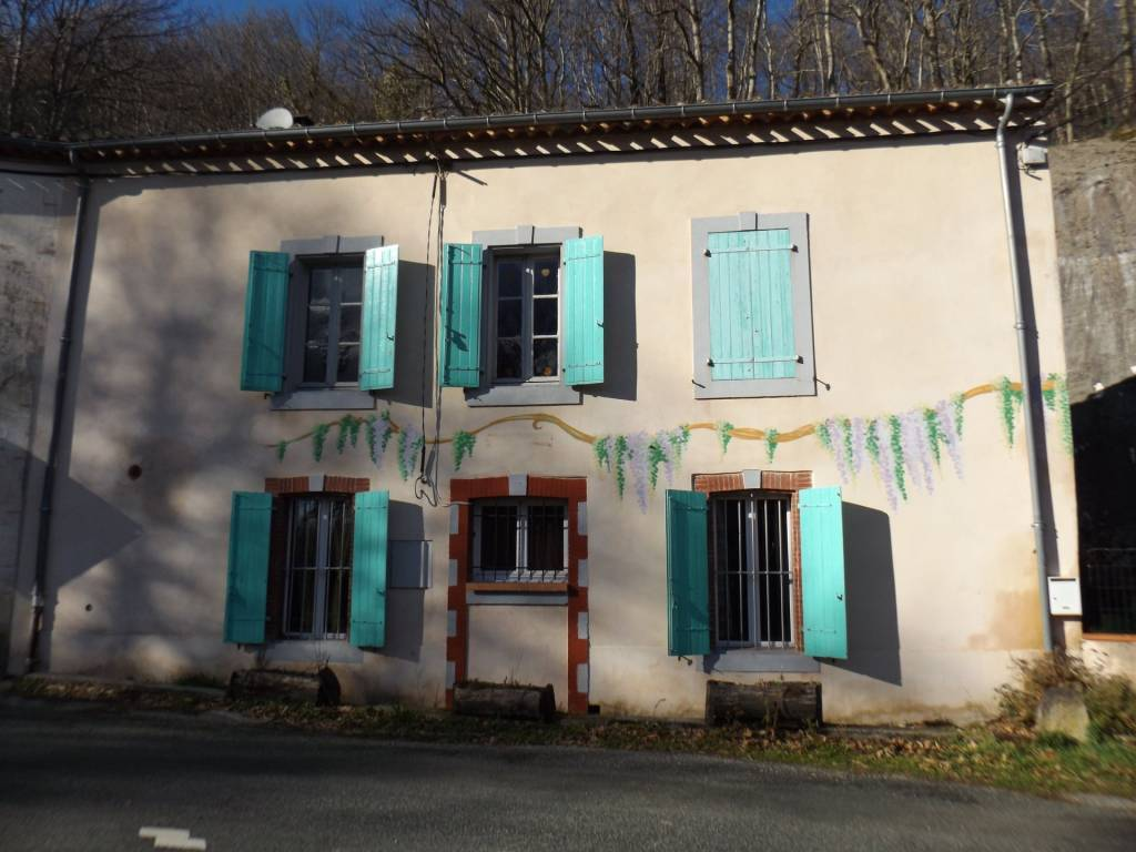 Sale Village house Lespinassière