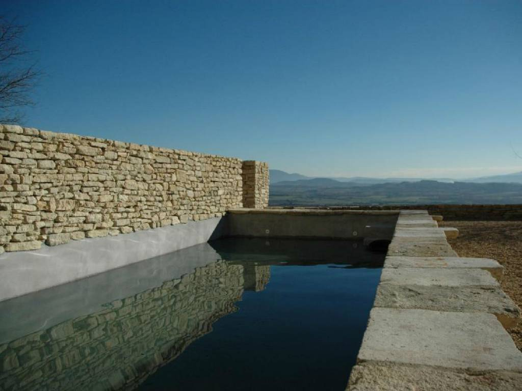 Renovated old property in the center of the village of Gordes