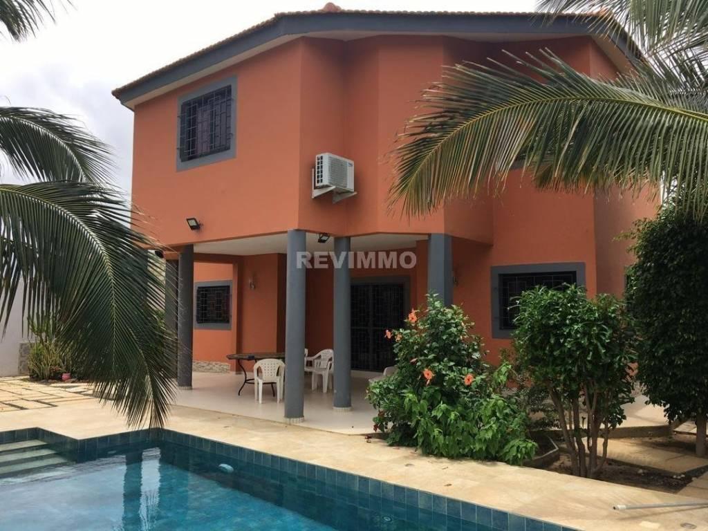 A louer belle villa contemporaine