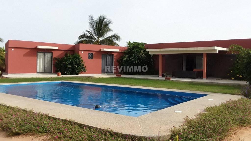 A vendre villa neuve en résidence