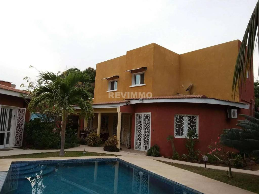 A vendre villa d'Hôtes Somone