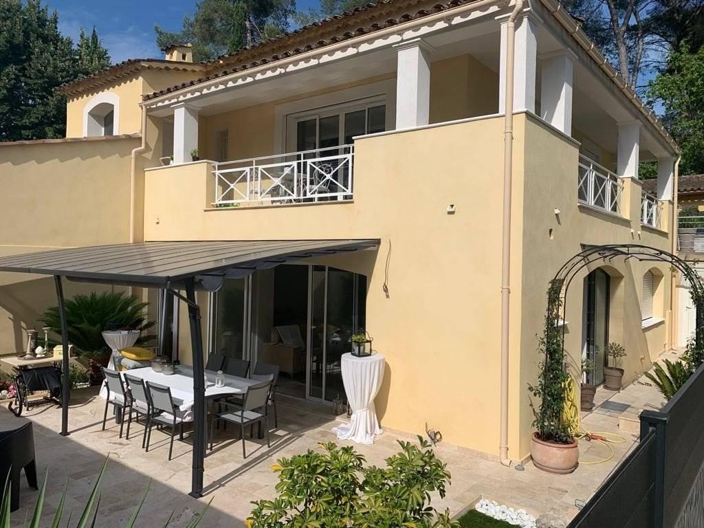 MOUGINS-dans une villa Apt 4 p 80m²+24 terrasse