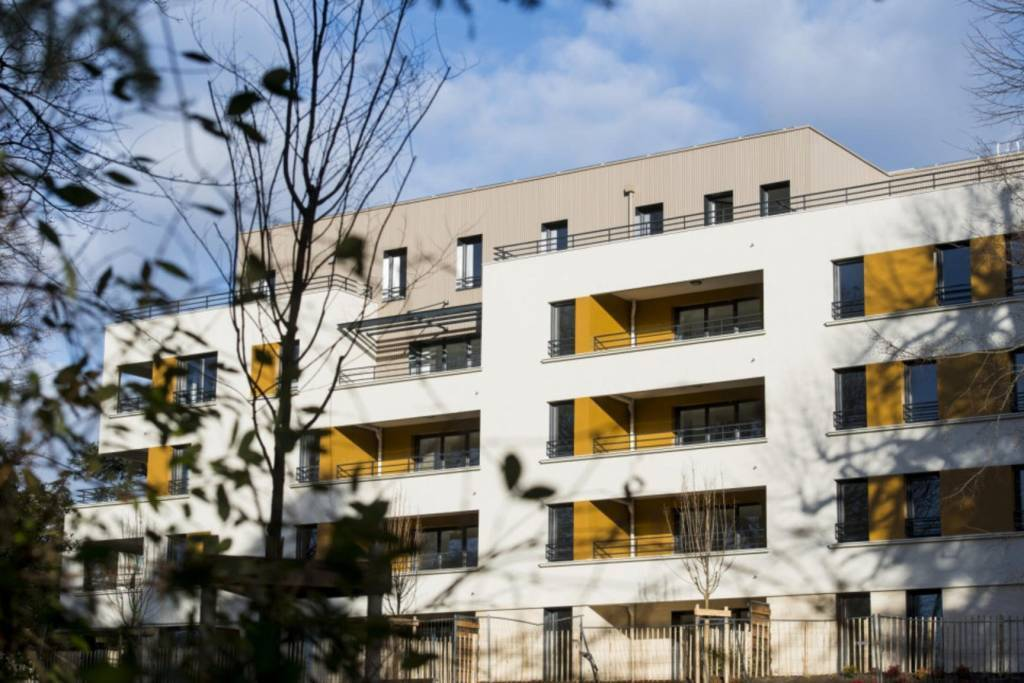 T3 - centre de Trévoux - Terrasse et Garage