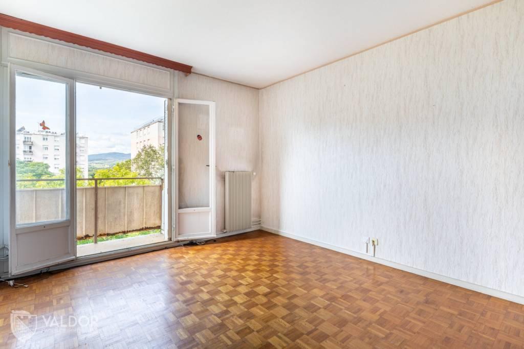 Appartement d'environ 69 m² avec balcon