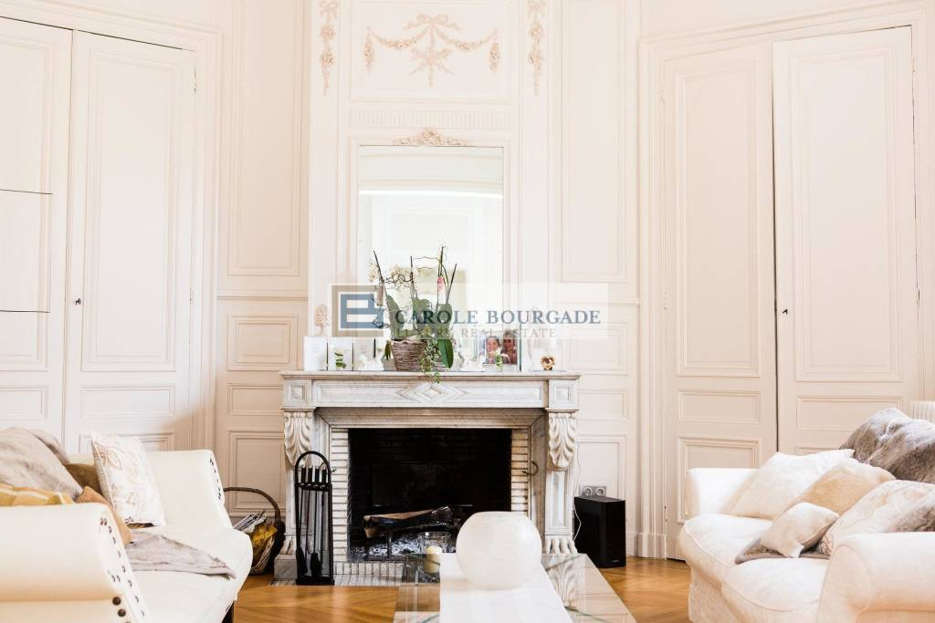 HOTEL PARTICULIER 7 BEDROOMS GARDEN / POOL BORDEAUX CENTER