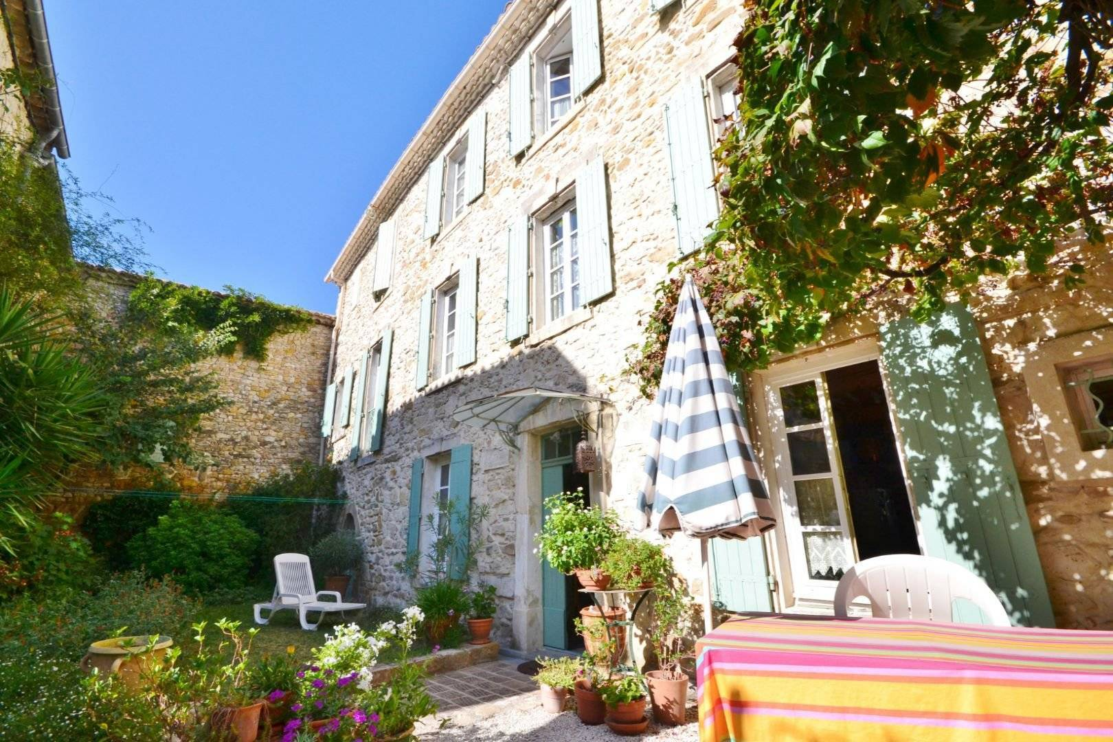 Sale Village house Uzès